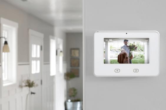 vivint-doorbell-camera-sky-control-720x720.png